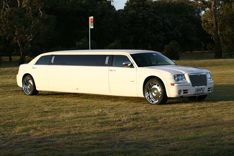 Chrysler Stretch Limousine (White)